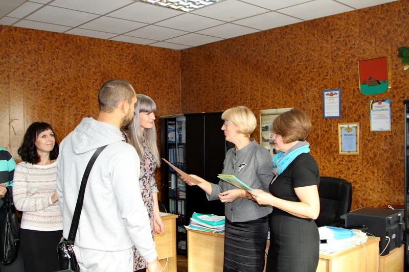ВБрянске 5 многодетных семей получили сертификаты нажилье