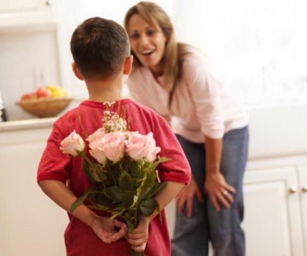 Традиция дарить жене подарок за ребенка 39